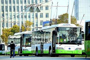"""啊 停 啊轻点h文公车-...在线充""""纯电动公交车.( ) -图文 搭着 辫子 领跑全国"""