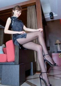 ...g丝袜美女气质肉感丰满大长腿写真美女图 美腿丝袜 美桌图片库