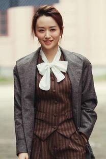 剧中饰演女主角欧阳雪的青年演员... 演绎前世今生的爱恋,同时以侦探...