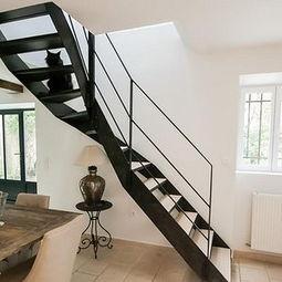 小户型楼梯贴砖方法 小户型装修