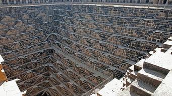 什么是闻名世界的建筑物?答案很可能是宏伟,大小和具有重要历史性...