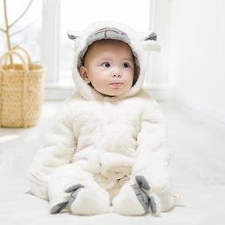 宝宝连体衣0一1岁秋冬装套装女婴儿衣服可爱超萌外出抱网红婴幼儿