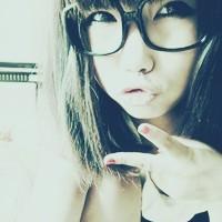 qq女生戴眼镜头像大全
