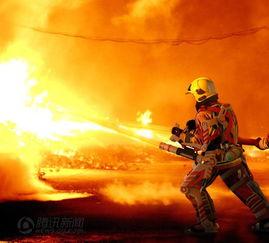 消防员图片设计