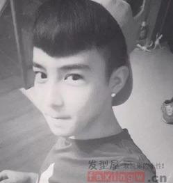 韩国流行学生发型男