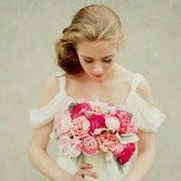 手拿玫瑰花欧美头像 手拿玫瑰花女生头像