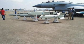 ...珠海航展公开的国产隐身防区外弹药布撒器,注意其发动机-深度 歼...