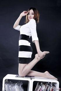 ...柜Model小杨幂美腿丝袜写真