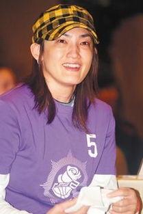 ...鞋的前中华台北篮球队队长钱薇娟.图片来源:台湾《联合报》-金溥...