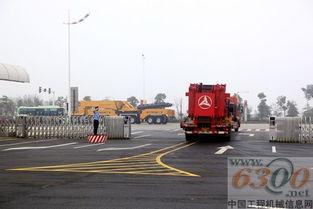 全亚州三级网-据了解,SAC12000全地面起重机是国内自主研制的最大吨位全地面起...