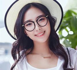圆脸适合什么样的眼镜 眼镜框品牌推荐及价格