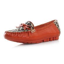 ...色蛇纹鞋面性感豹纹蝴蝶结装饰坡跟单鞋 两色小组,2010杂志新款女...