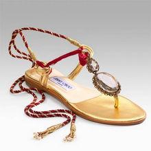 :华贵的金色,复古式精美的宝石装饰,给你完美的足下感受.意大利制...