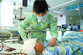 ...后狂躁欲跳楼 护士救人遭刺伤