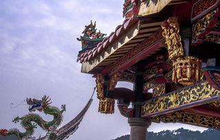 表情 去寺庙如何拜佛烧香拜佛烧香的含义是什么 Wed114结婚网 表情