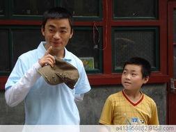 王宝强 加油 2008 鼓励灾区孩子勇敢面对