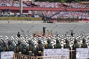 ...念大会,并举行阅兵式.解放军联合军乐团与解放军合唱团共同演奏...