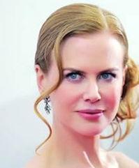 怡红院免费九九色色-影片《九》纽约首映礼上,没有浓墨重彩的眼妆,淡淡的腮红在她白皙...