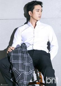 新浪娱乐讯韩国演员李周锡携手bntnews拍摄了一组时尚写真,小胡子...