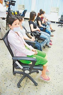 台湾破获情色中介案 大龄小姐叹皮肉钱难赚新闻频道