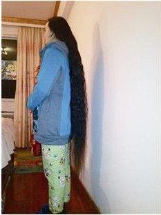 ...7年时间蓄1.3米长发 欲1万元卖掉