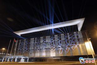 港珠澳大桥澳门口岸正式整体亮灯 提前具备通车条件