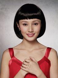 偷看女明星们的假刘海发型