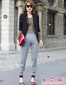 ...皱袖子丝滑质感中长款西装外套,形成独特风格,简单大方的寥寥...