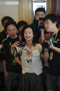 """...委屈的样子让网友大呼可爱.不过,年轻时的刘亦菲妈妈与现在的""""..."""