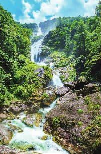 仙圣古河-神农飞瀑,又名东坑瀑布.瀑布落差为235.2米,成三叠下泻,是湖南...