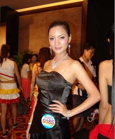 传一段全裸入浴自拍的影片,入镜的女主角据传是2009年亚洲小姐广西...