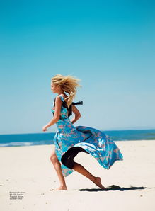 超模坎迪斯·斯瓦内普尔(Candice Swanepoel)为《Lucky》杂志拍...