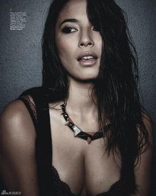 澳大利亚名模杰西卡-戈麦斯身上有新加坡血统,这位世界超模拍摄写...