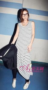 朝鲜花游美女黑白色泳装-清新的黑白条纹-慵懒背心长裙 给你十足的清凉夏日