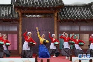百年集市上再现中国朝鲜族古老的... 与百年集市相邻的是上个世纪70年...