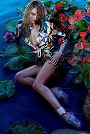 ...  【 】超模坎迪斯·斯瓦内普尔(Candice Swanepoel)为巴...