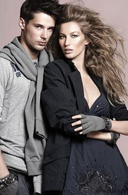 ...拍摄了一组春装广告,和男模亲密互动的邦辰尽展性感魅力.-吉赛尔...