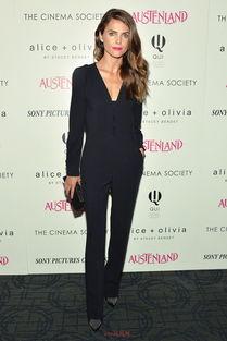 事件:电影《Austenland》纽约放映式   连体裤:黛安·冯芙丝汀宝...