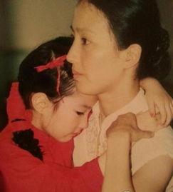 ...但更值得一提的是,年轻时的刘亦菲妈妈十分貌美如花.-刘亦菲妈妈...
