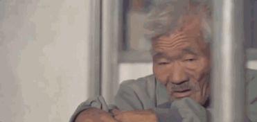 泪奔 一部真实的纪录片 当一家10口人都在盼你死