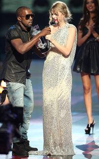 全免va视频-坎耶·维斯特夺奖一幕成为笑柄( /danva)在2009年MTV颁奖盛典上...