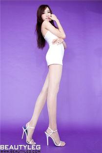 超短裙长腿美女嫩模 气质优雅写真
