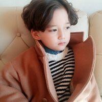 可爱帅气小男孩QQ头像 喜欢的是那路旁的灯 2