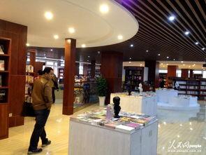 图为刚开业的卓尔书店.人民网记者 -武汉 卓尔书店逆势开业