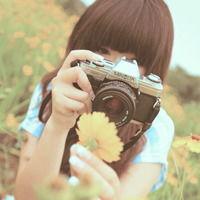 阳光女孩阳光下微笑 QQ女生头像