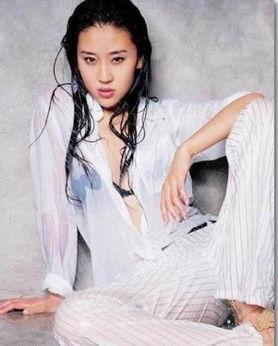 杨幂潘霜霜等体娱女星湿身浴照