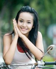 越南的13岁嫩模黎黄宝珍,主打清纯风.   -体坛性感美女运动员