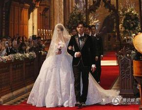 花の宴寿司店私营-人気歌手のジェイ チョウ(周杰伦)は1月、英セルビーの教会でモデ...