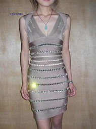 ...见这样的礼服,眼睛就会放光 -红毯戎装杂志