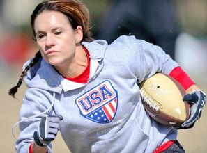 ...成为NFL女性教练第一人.-维尔特成首位NFL女教练 曾效力男子职业...